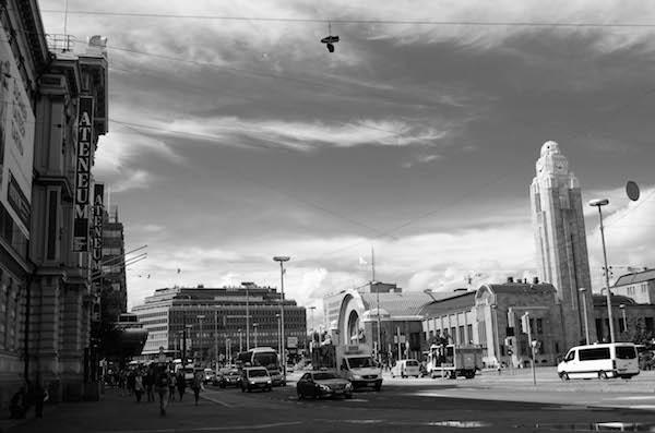 Valokuva Helsingin rautatieasemasta, sivuston kuvitusta